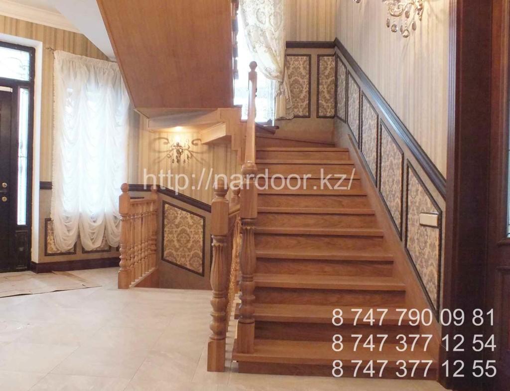 лестницы на заказ деревянные дубовые